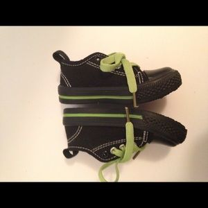 Shoe shox sneaker black Toddler size 6